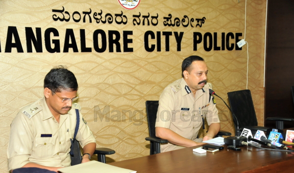 4-Commissioner-press-meet-26052015 (16)