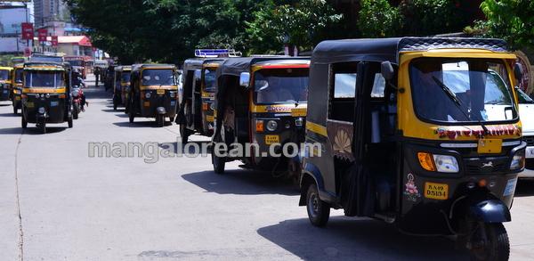 4-rickshaw-protest-003