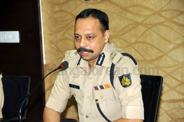 8-Commissioner-press-meet-26052015 (27)