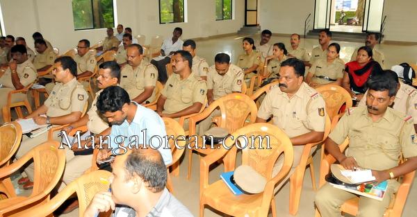 Juvenile-crime-review-meeting-21082011 (32)