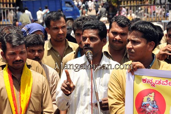 auto-drivers-protest-31082015 (113)