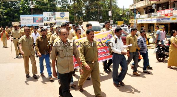 auto-drivers-protest-31082015 (36)