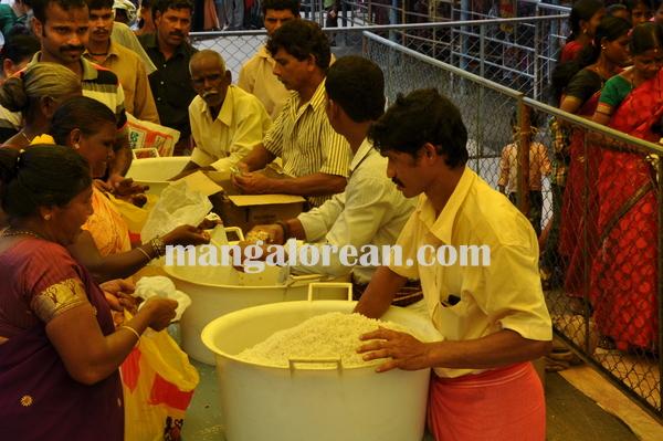dharmasthla_Dveerndrahegde 12-03-2009 21-10-06