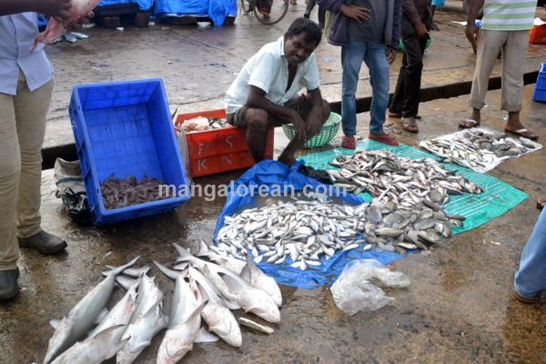 fish-market-20150802-002