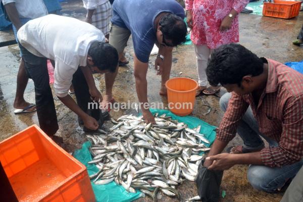 fish-market-20150802-012