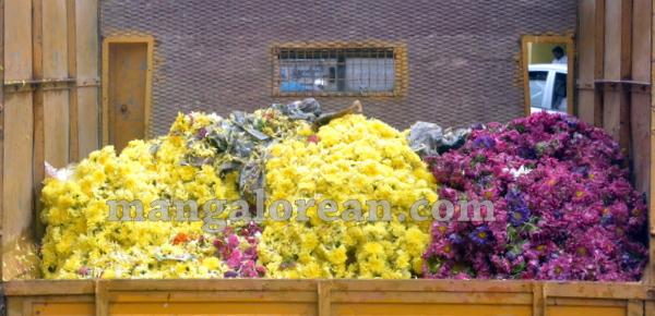 01-flower-vendors-20150908