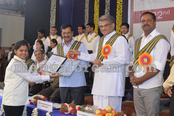 01-kejriwal-dharmastala-20150909