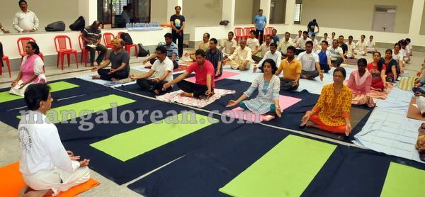 06-yoga-20150906-005