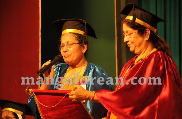 08-agnes-graduation-day-20150928-007