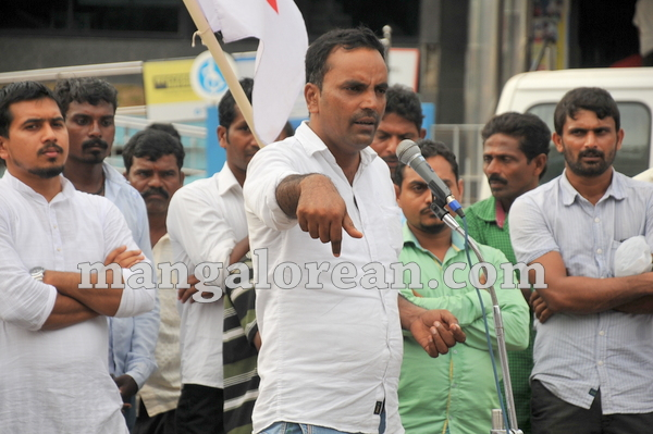 08-mrpl-protest-20150904-007