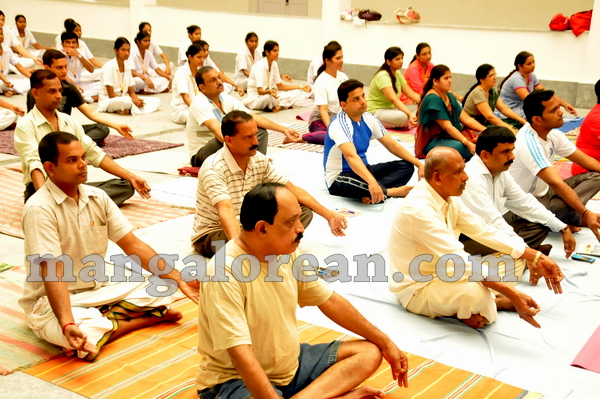08-yoga-20150906-007