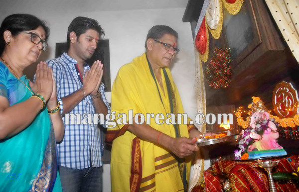 Mumbai Sept. 18 :- Bollywood actor / celebraties celebrated Ganesh Festival in Mumbai. In pic bollywood actor Mohan Joshi. ( pic by Ravindra Zende )