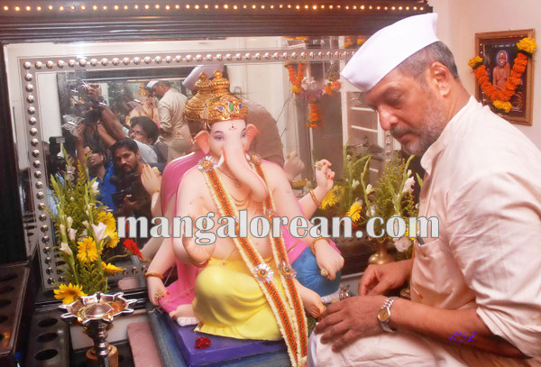 Mumbai Sept. 18 :- Bollywood actor / celebraties celebrated Ganesh Festival in Mumbai. In pic Bollywood actor Nana Patekar. ( pic by Ravindra Zende )