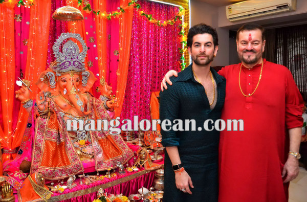 Mumbai Sept. 18 :- Bollywood actor / celebraty celebrated Ganesh Festival in Mumbai. In pic bollywood actor Neil Nitin Mukesh. ( pic by Ravindra Zende )