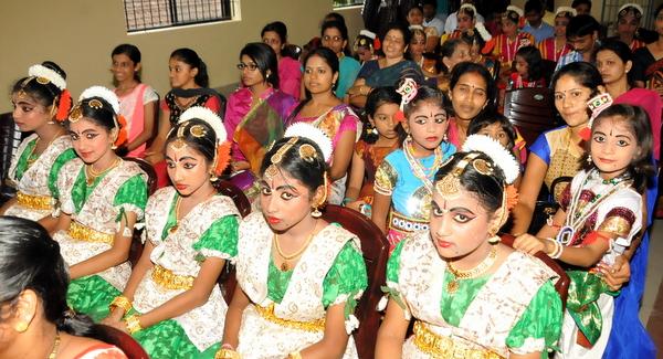 10-krishna-janmastamai-20150905-009