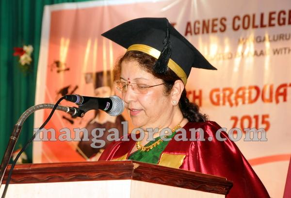 11-agnes-graduation-day-20150928-010