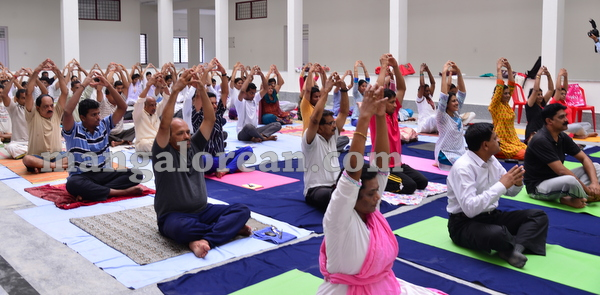 11-yoga-20150906-010