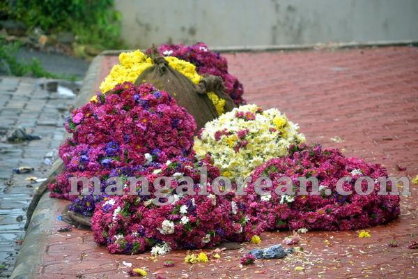 12-flower-vendors-20150908-011