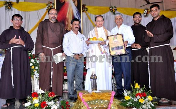 14-annual-feast-PadrePio-20150928-013