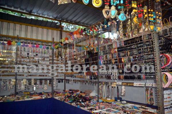 14-taj-exhibition-20150920-013