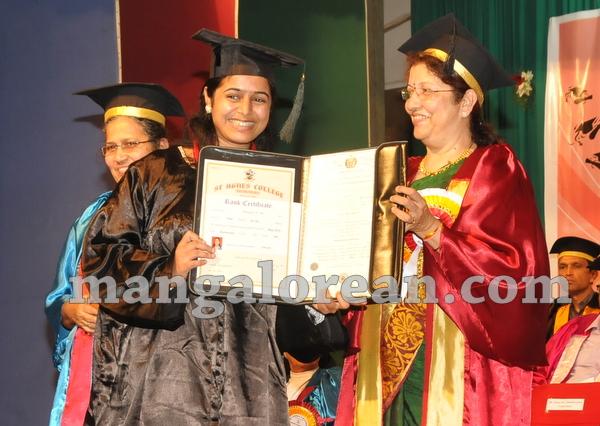 15-agnes-graduation-day-20150928-014
