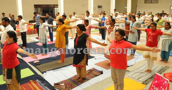 17-yoga-20150906-016
