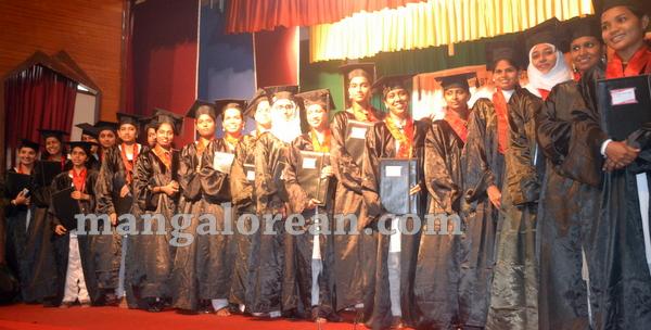 18-agnes-graduation-day-20150928-017