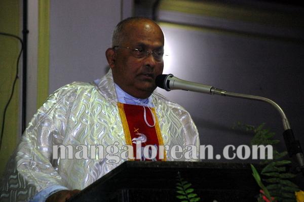 Fr.Fardinand_Dimond_ Jubilee_Kemmannu 29-09-2014 18-46-32