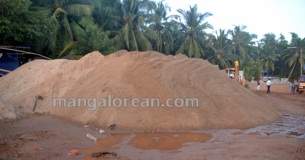 01-Sand-Extraction-20151006