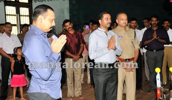 02-police-ayudhapuja-20151022-001