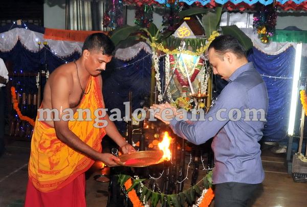 04-police-ayudhapuja-20151022-003