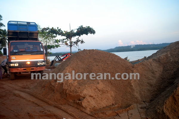 06-Sand-Extraction-20151006-005