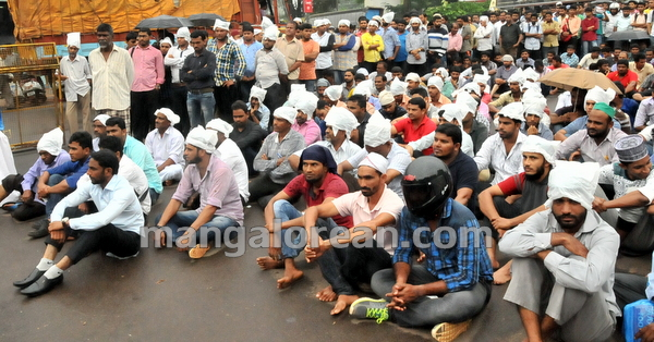06-love-jihad-protest-20151008-005