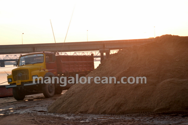 09-Sand-Extraction-20151006-008