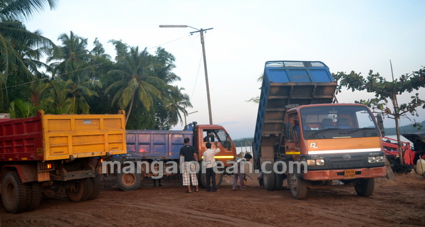 10-Sand-Extraction-20151006-009