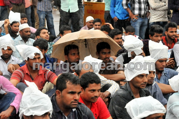 10-love-jihad-protest-20151008-009