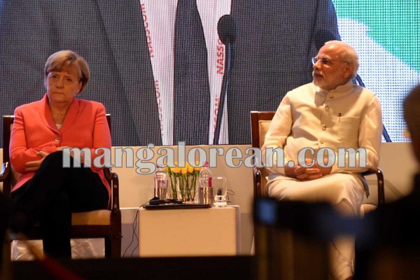 10.PM-Shri-Narendra-Modi-and-Dr.-Angela-Merkel-Chancellor-of-Federal-Republic-of-Germany-at-NASCOM.
