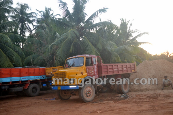 14-Sand-Extraction-20151006-013