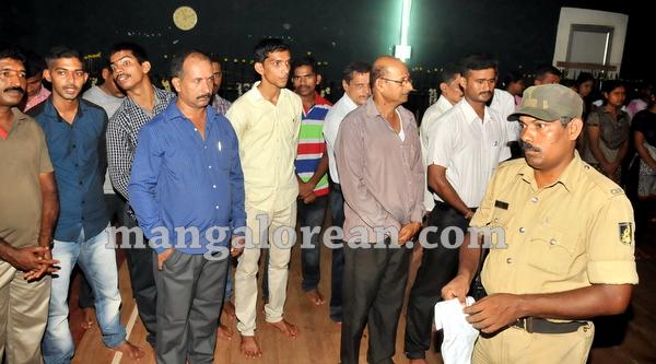 14-police-ayudhapuja-20151022-013