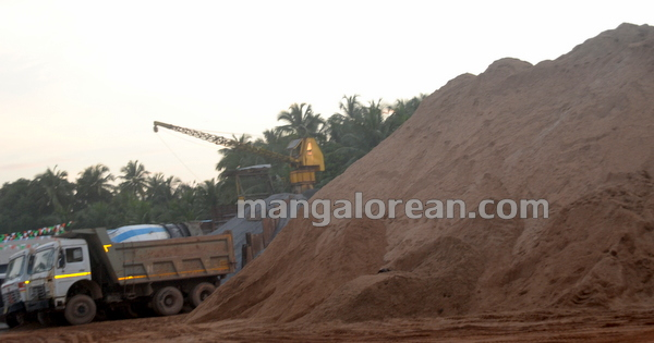 15-Sand-Extraction-20151006-014