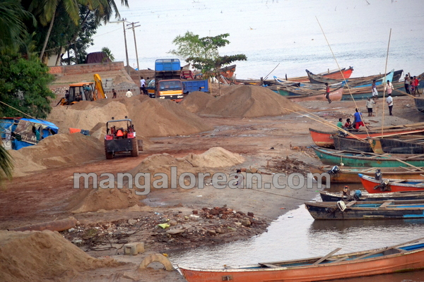 17-Sand-Extraction-20151006-016