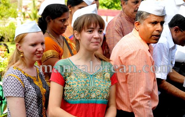 17-gandhi-jayanthi-20151002-016