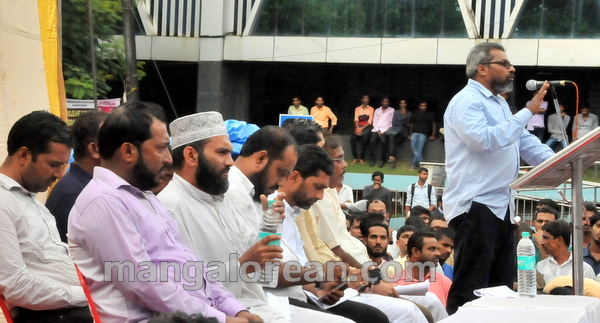 17-love-jihad-protest-20151008-016