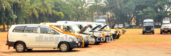 17-police-ayudhapuja-20151022-016