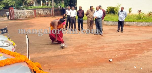 19-police-ayudhapuja-20151022-018