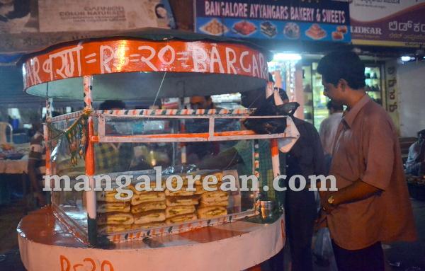 2-street-vendor-001