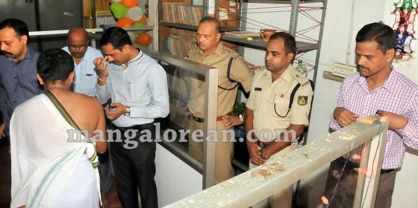 21-police-ayudhapuja-20151022-020