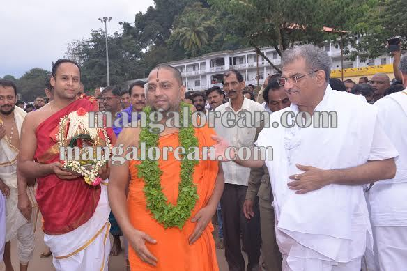 BhajanaKammata_dharmastala 11-10-2015 22-41-38