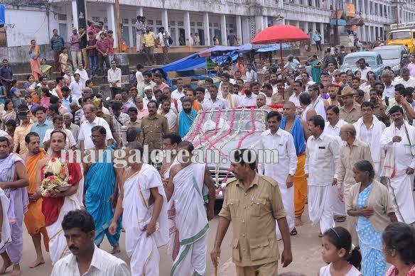 BhajanaKammata_dharmastala 11-10-2015 22-41-57