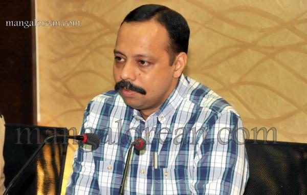 Commissioner-press-meet-Moodbidri-murder-18102015 (32)